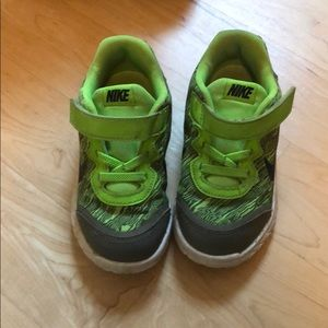 Used in good condition Nike sneakers.